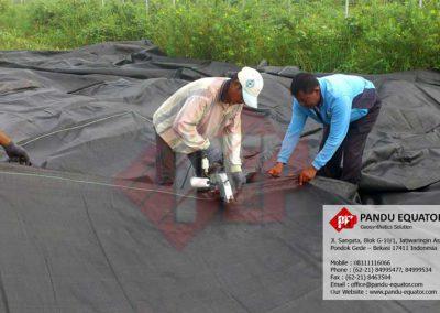 pemasangan-woven-geotextile-tembilahan-riau-01