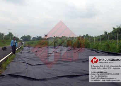 Pemasangan Woven Geotextile Riau
