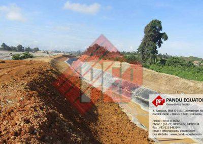 Pemasangan geomembrane hdpe pandu equator
