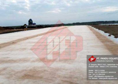 pemasangan-geosynthetics-clay-liners-bali-4