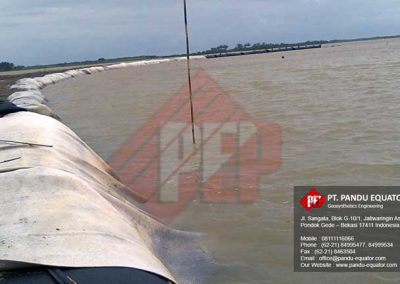 pemasangan-Geotextile Tube-pantai-cipatujah-tasikmalaya-1