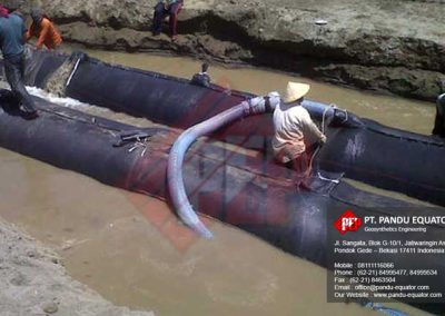 pemasangan-Geotextile Tube-pantai-cipatujah-tasikmalaya-3