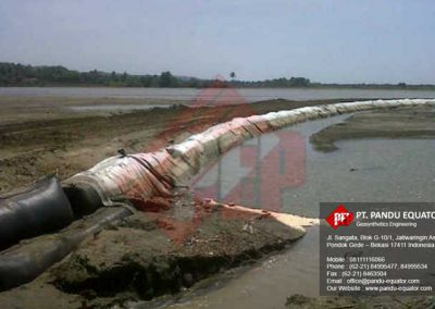 pemasangan-Geotextile Tube-pantai-cipatujah-tasikmalaya-4