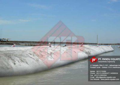 pemasangan-geotextile tube -sidoarjo-3