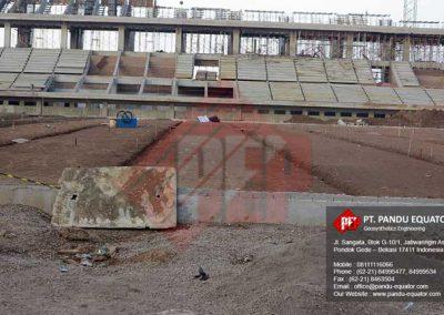 pemasangan-non-woven-geotextile-stadion-gede-bage-bandung-1
