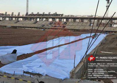 pemasangan-non-woven-geotextile-stadion-gede-bage-bandung-7
