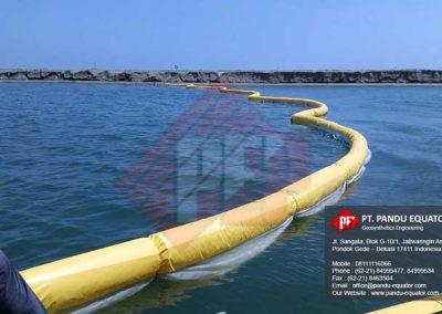 pemasangan-silt-protector-pelabuhan-makassar-4