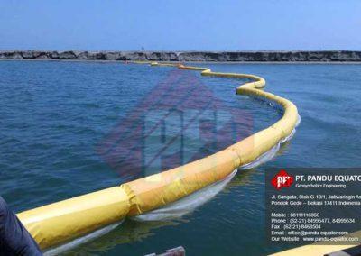 pemasangan-silt-protector-pelabuhan-makassar-7