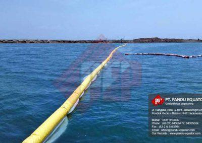 pemasangan-silt-protector-pelabuhan-makassar-8