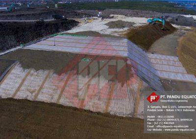 pemasangan geosynthetics clay liner di bali