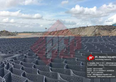pemasangan-geocell-jalan-tambang-2