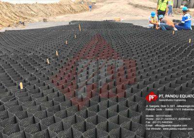 pemasangan geocell jalan tambang