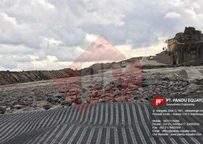 pemasangan-geocell-jalan-tambang-8