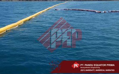 Pemasangan Silt Protector Area PLTU Batang Jawa Tengah