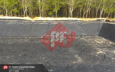 Pemasangan Geomembrane HDPE Pada Embung di Oku Timur