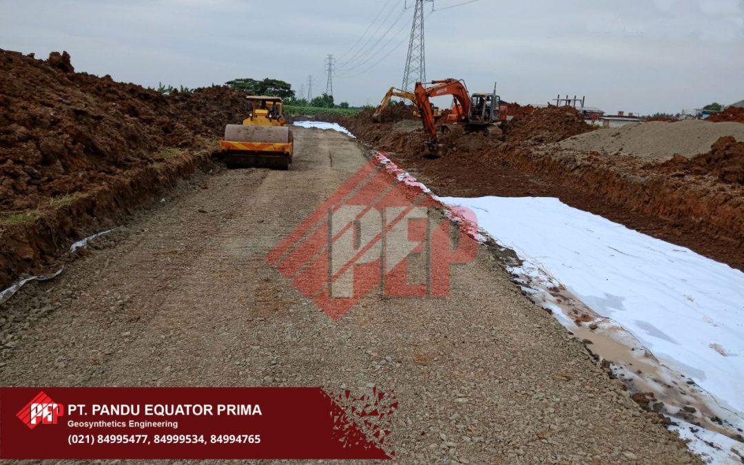 Dokumentasi Pemasangan Geotekstil Non Woven Pada Proyek Pembangunan Jalan di Banten