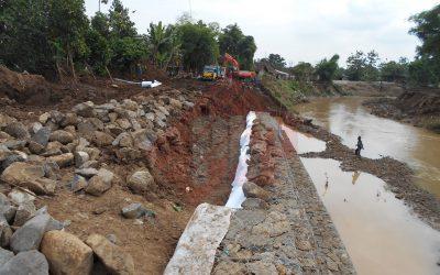 Fungsi Geotextile Non Woven Pada Dinding Gabion / Gabion Wall di Kali Gunting Jombang