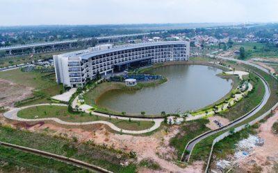Dokumentasi Pemasangan Geomembrane Pada Proyek Artificial Lake Hotel Santika Premier Palembang