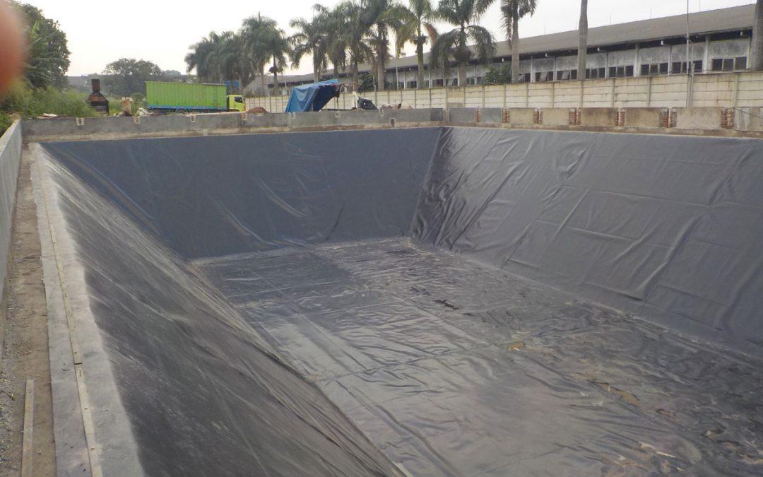 Dokumentasi Pemasangan Geomembrane & Non Woven Geotextile Pada Proyek Kolam Limbah Textile