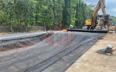 Dokumentasi Instalasi Geogrid Biaxial Pada Proyek Revitalisasi Jalan Raya di Ciamis